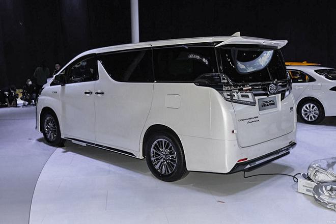 Xe sang Toyota Crown có thêm biến thể minivan cực ngầu - 3