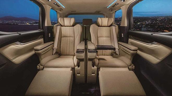 Xe sang Toyota Crown có thêm biến thể minivan cực ngầu - 8