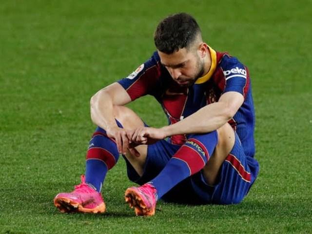 """Gay cấn bảng xếp hạng La Liga: Barca thua sốc """"hít khói"""" Real - Atletico"""