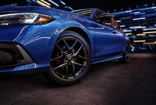 Honda Civic thế hệ mới thay đổi toàn diện, kẻ khen người chê - 8