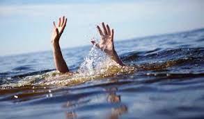 Nam sinh viên tử vong sau khi cứu được 4 nữ sinh bị sóng biển cuốn - 1