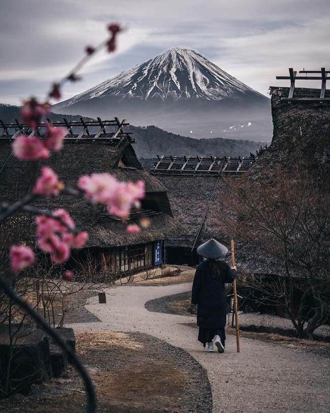 4. Một chuyến đi tìm về miền đất thánh, núi Phú Sĩ, Nhật Bản.