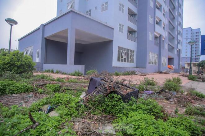 """Khu chung cư tọa lạc vị trí """"đắc địa"""" ở Hà Nội thành nơi tập kết rác - 1"""