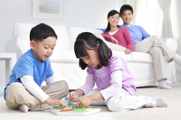 Ngạc nhiên với những cha mẹ là người thầy hiền trí - 1
