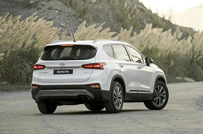 So sánh Hyundai Santa Fe và Mazda CX-8, đâu là SUV 7 chỗ đáng mua hơn? - 5
