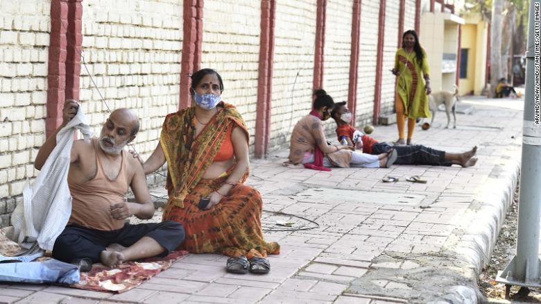 Covid-19: Tình cảnh ở nhiều bệnh viện Ấn Độ - 1
