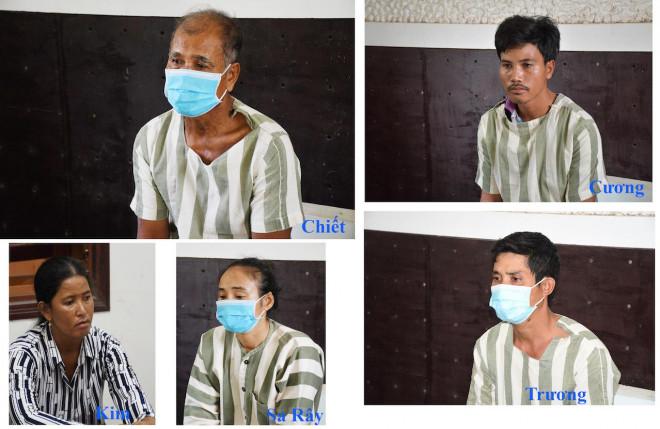 Tấn công 4 cán bộ công an, cha và 4 người con bị khởi tố - 1