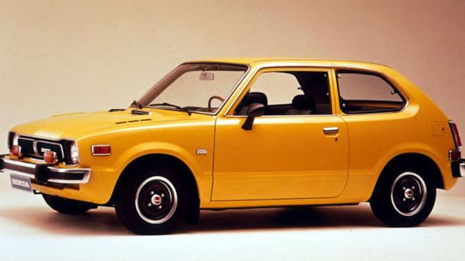 Nhìn lại thiết kế của Honda Civic qua các thời kỳ - 1