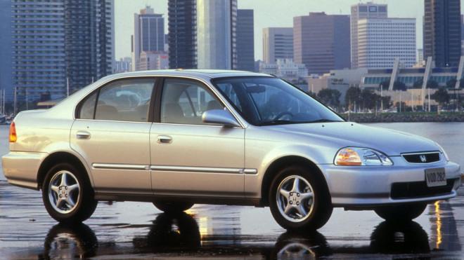 Nhìn lại thiết kế của Honda Civic qua các thời kỳ - 7