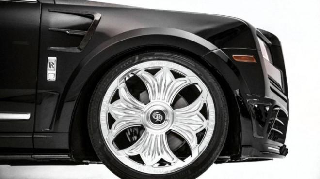 Cận cảnh Rolls-Royce Cullinan của rapper Drake mang nội thất đen huyền bí - 5
