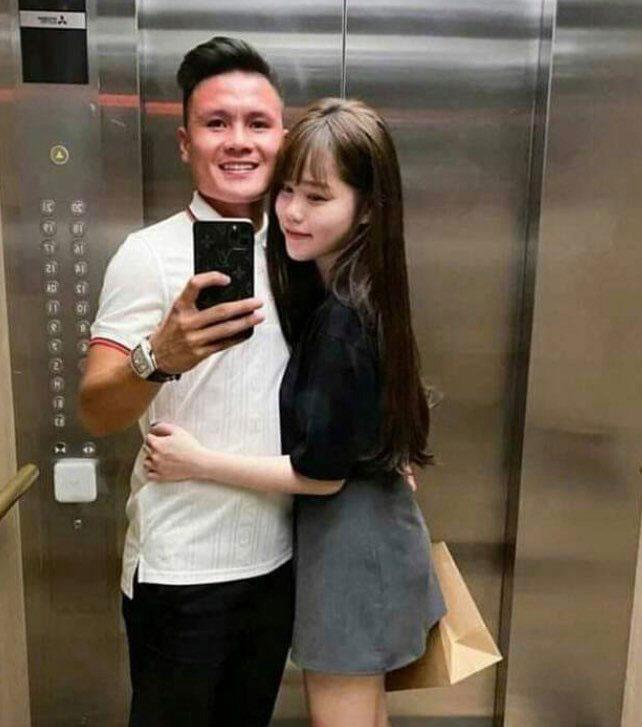 """Bạn gái cũ Quang Hải lộ clip tình tứ với """"hot Tiktoker"""" - 1"""