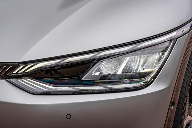 Xe điện KIA EV6 chính thức có giá bán hơn 1,3 tỷ đồng tại châu Âu - 4