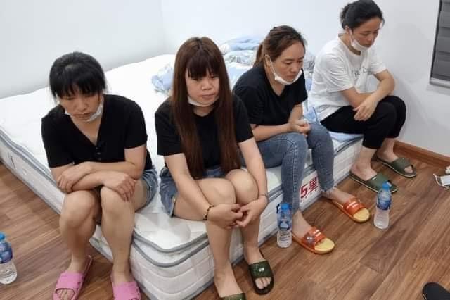 11 người Trung Quốc nhập cảnh trái phép cố thủ trong chung cư ở Hà Nội - 1