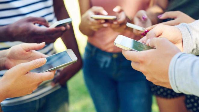 Xem bức ảnh này sẽ giúp bạn biết mình nghiện smartphone đến mức nào - 1