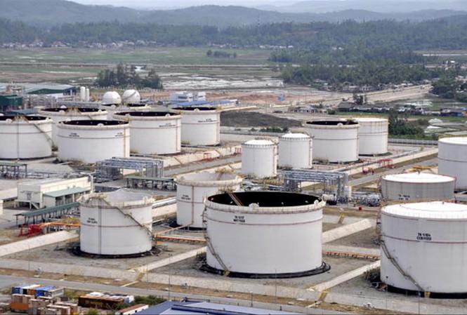 Giá dầu hôm nay 6/5: Quay đầu giảm - 1