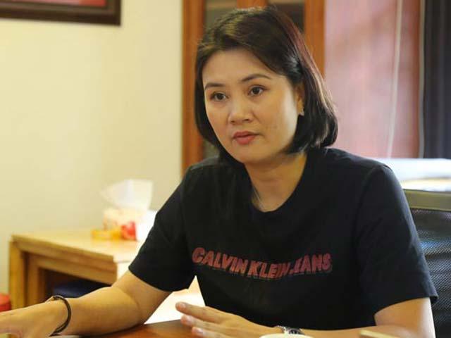 Hoa khôi bóng chuyền Kim Huệ bị cảnh cáo: Họp căng thẳng 3 tiếng vẫn chưa xong - 1