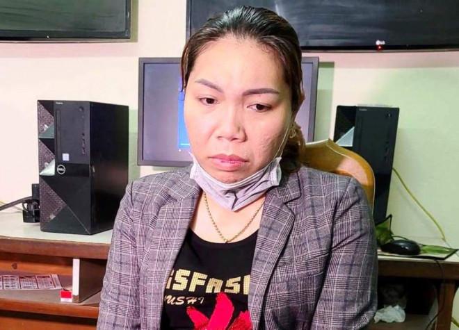 Nữ nhân viên massage trộm thẻ visa của khách, quẹt mua iPhone - 1