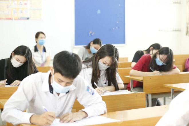 Vụ trưởng Vụ Giáo dục Trung học: Bất khả kháng mới thi trực tuyến - 1