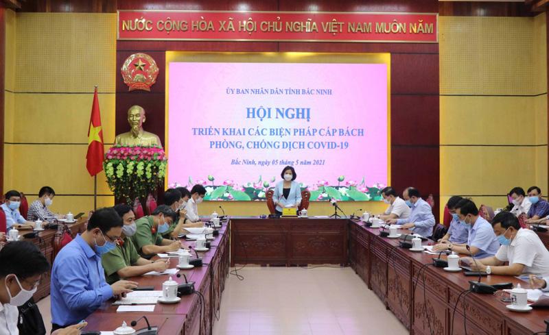Có 2 người mắc COVID-19, Bắc Ninh họp khẩn trong đêm - 1