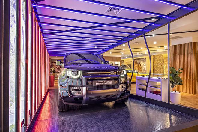 Jaguar Land Rover ra mắt showroom tiêu chuẩn đầu tiên tại Hà Nội - 3