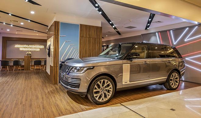 Jaguar Land Rover ra mắt showroom tiêu chuẩn đầu tiên tại Hà Nội - 4
