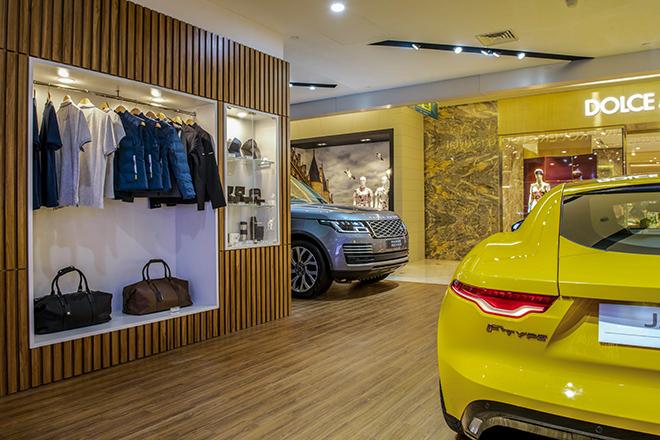 Jaguar Land Rover ra mắt showroom tiêu chuẩn đầu tiên tại Hà Nội - 5