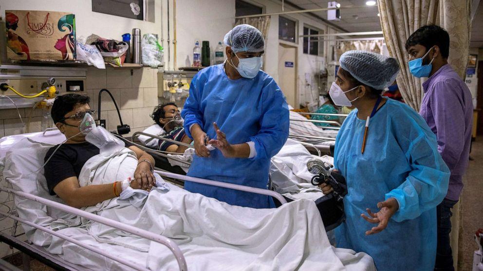 Điều trị bệnh nhân Covid-19, bác sĩ Ấn Độ đứng trước lựa chọn khó khăn - 1
