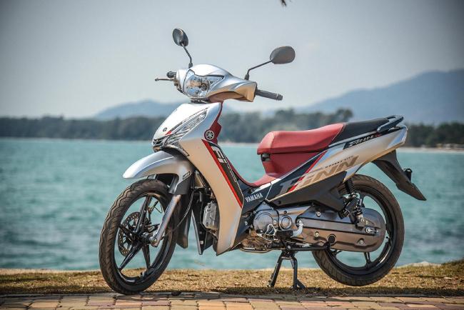 Giống với Honda Wave 110i, Yamaha FINN 115i Thái Lan cũng rất được người ưa chuộng xe 2 bánh ở Việt Nam tò mò và quan tâm.