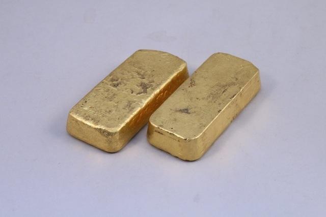 Sang nhà ông bà tránh COVID-19, cháu ngoại nhặt được vàng tiền tỷ - 1