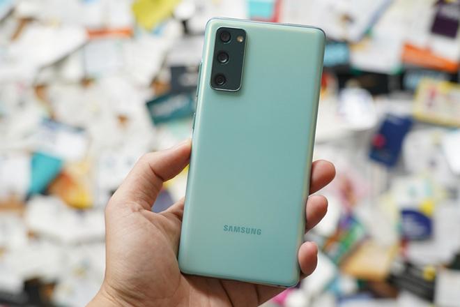 """Mẫu Galaxy S20 vừa cập bến thị trường Việt được thế giới """"khuyên mua"""" - 1"""