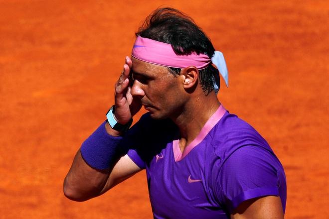 """Nadal thua sốc Zverev ở Madrid Open: Tiết lộ pha bóng """"tai hại"""" mất cả trận đấu - 1"""