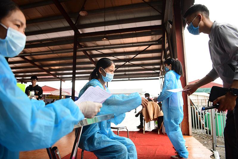 Nữ nhân viên chùa Tam Chúc dương tính với SARS-CoV-2 - 1