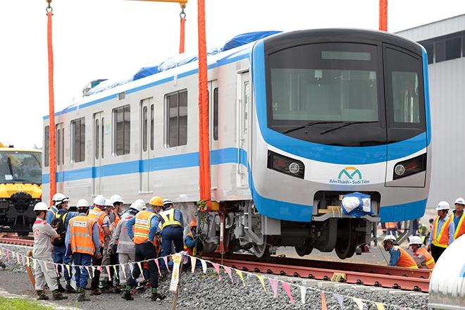 Hai đoàn tàu metro số Bến Thành – Suối Tiên sắp cập cảng ở TP.HCM - 1