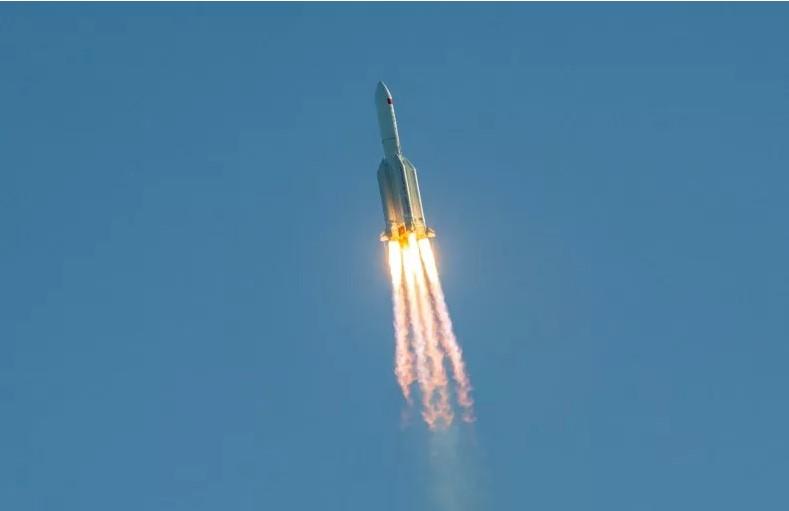 Tàn dư tên lửa TQ to như tòa nhà 10 tầng sắp rơi xuống Trái đất và căng thẳng Mỹ - Trung - 1