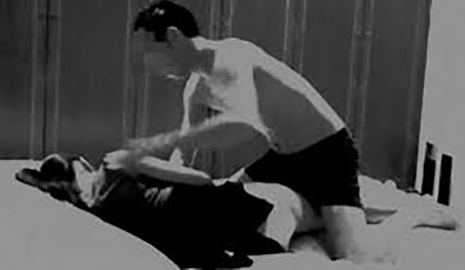 """""""Say mềm"""", nữ sinh 17 tuổi bị bố của bạn thân giở trò đồi bại lúc dìu đi ngủ - 1"""
