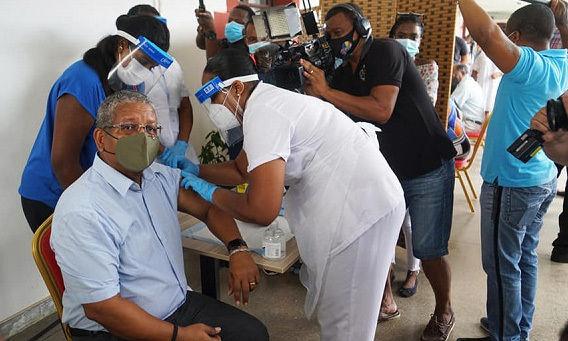 Quốc gia tiêm chủng Covid-19 hàng đầu thế giới bùng nổ ca nhiễm mạnh hơn Ấn Độ - 1