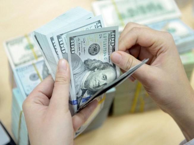 Tỷ giá USD hôm nay 10/5: Lao dốc chấp những điểm sáng về kinh tế - 1