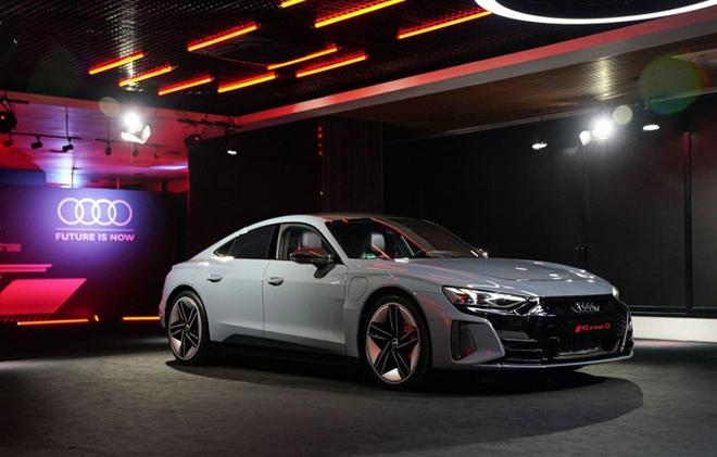 Xe điện Audi e-Tron GT công bố giá bán hơn 2,7 tỷ đồng tại châu Âu - 3