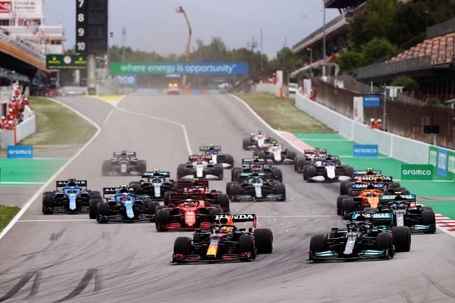 """Đua xe F1, Spanish GP: """"Ông trùm"""" chiến thuật """"cao tay"""", """"Bò húc"""" gục ngã lần 2 - 1"""