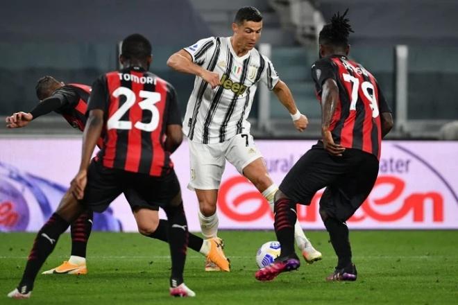 """Juventus thua thảm: Ronaldo như """"người thừa"""", bị nghi tỏ thái độ với Pirlo - 1"""