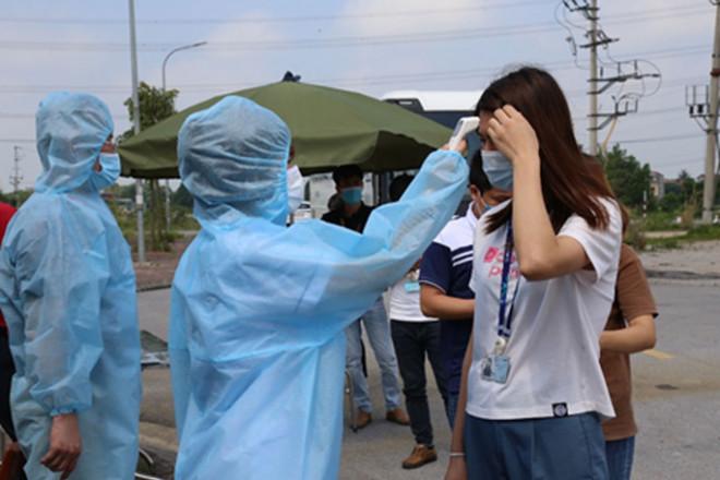 Nhiều học sinh và giáo viên dương tính SARS-CoV-2, 511 học sinh phải cách ly tập trung - 1