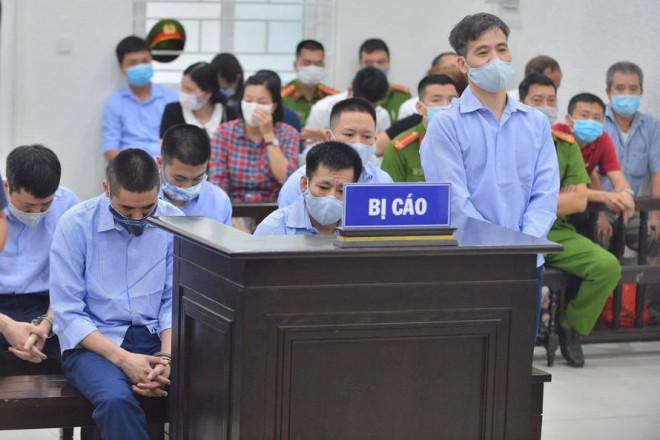 """90 cảnh sát, thanh tra giao thông Hà Nội phủ nhận """"bảo kê"""" xe tải - 1"""