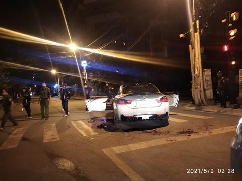 Vụ 2 người bị chém vì tiếng pô xe BMW nổ to: Truy xét 4 đối tượng liên quan - 1