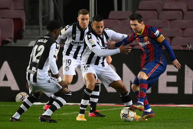 Trực tiếp bóng đá Levante - Barcelona: Chủ nhà ghi bàn thắng thứ 3 (Hết giờ) - 31