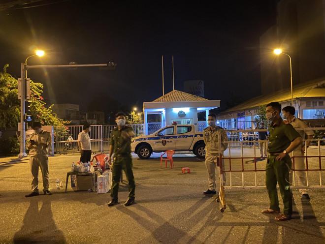 Đà Nẵng: Hơn 30 ca nghi nhiễm Covid-19, phong tỏa khẩn cấp KCN An Đồn trong đêm - 1