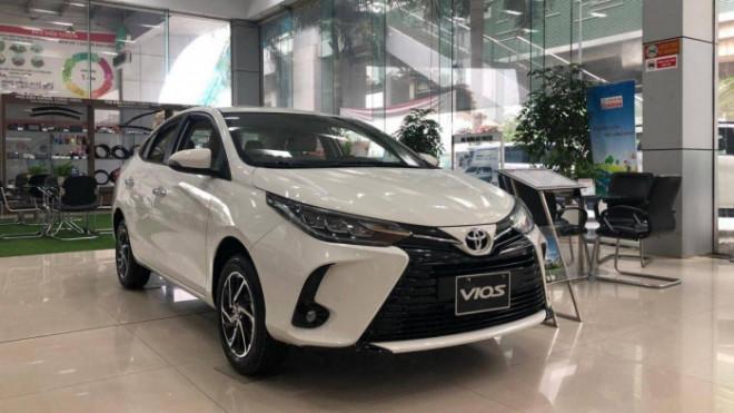 Toyota Vios mới giảm giá mạnh nhất kể từ khi ra mắt - 1