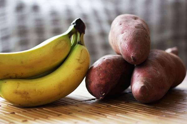 4 thực phẩm tuyệt đối không ăn cùng chuối - 1