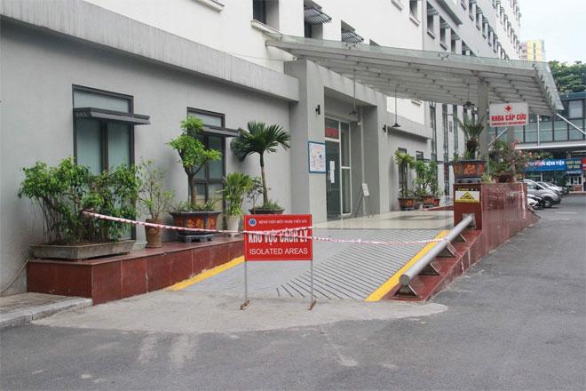 Cách ly Khoa Cấp cứu Bệnh viện Hữu nghị Việt Xô vì 2 người tới khám dương tính với SARS-CoV-2 - 1