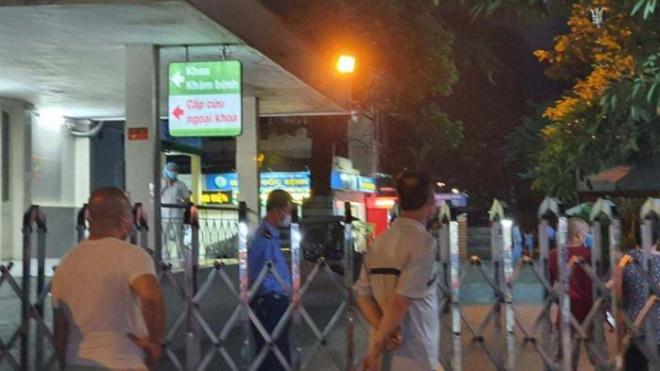 Người đàn ông rơi từ tầng 5 Bệnh viện Việt Đức xuống đất tử vong - 1
