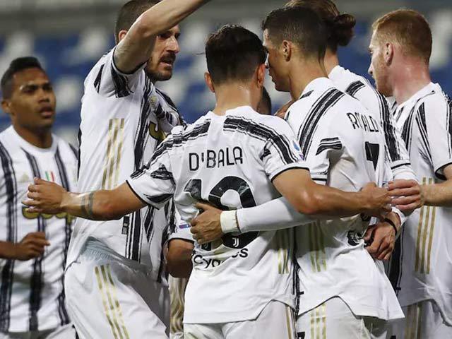 """Nghi án Juventus đua top 4 Serie A bị """"hàng xóm"""" chơi xỏ, thua như bán độ"""